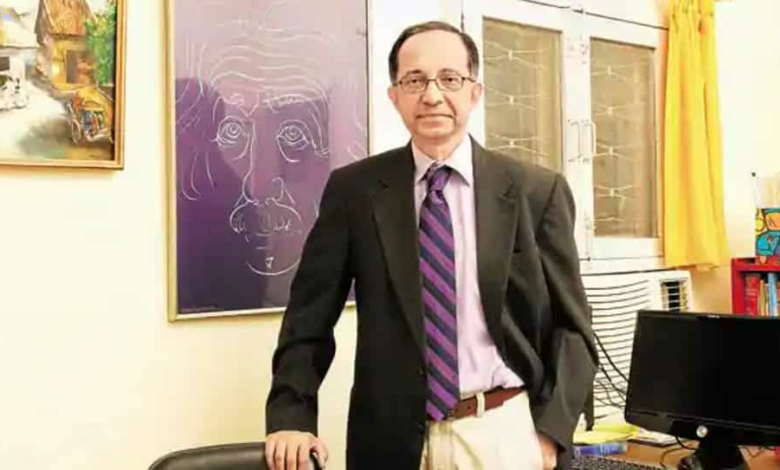 Kaushik Basu  noted that amid risks during this crisis, the governments should begin to control and micro-manage the economy and society.