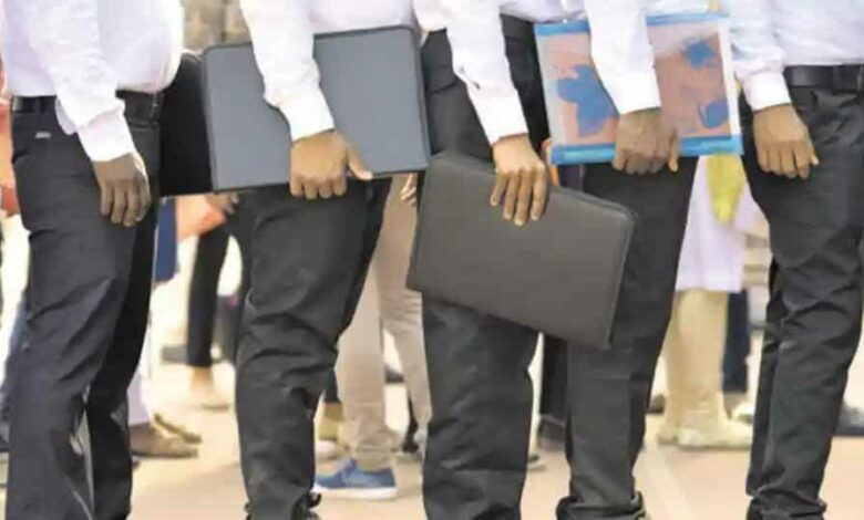 According to the 2018-19 figures, Hyderabad has 1,500 companies employing 5,43,033 people.