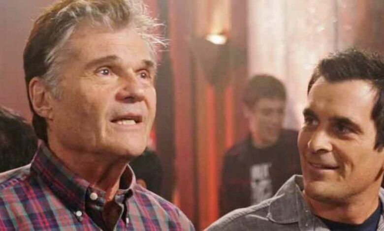 Fred Willard with Ty Burrell in Modern Family.