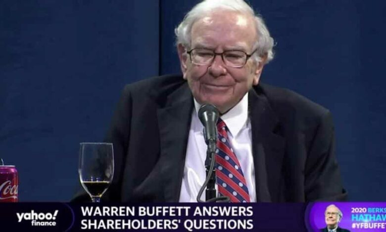 Warren Buffett addresses shareholders at the annual meeting of his Berkshire Hathaway Inc, which was virtually broadcast due to the coronavirus disease (COVID-19) pandemic, in Omaha, Nebraska May 2, 2020, in this still image taken from video. .