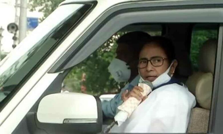 West Bengal Chief Minister Mamata Banerjee visits an area in Kolkata to inform the people about Covid-19 lockdown.
