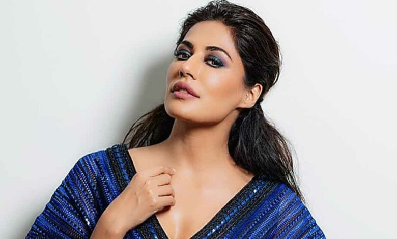 100 Hours 100 Stars: Chitrangda Singh has been religiously working out during the lockdown.